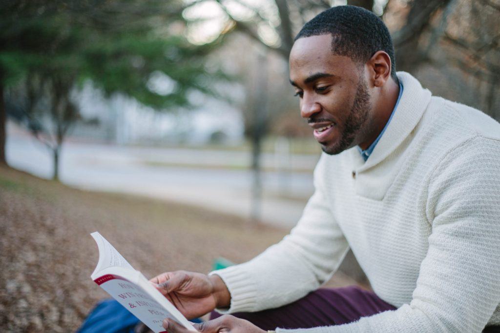 5 BOOKS TO READ BEFORE YOUR NEXT ZIMBABWE SAFARI
